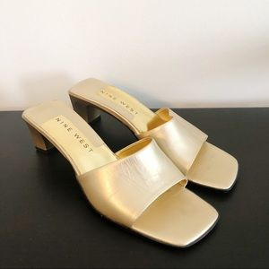 b63ffcd19d68c Nine West   Vintage 90's Gold Slide On Mule Heel 7